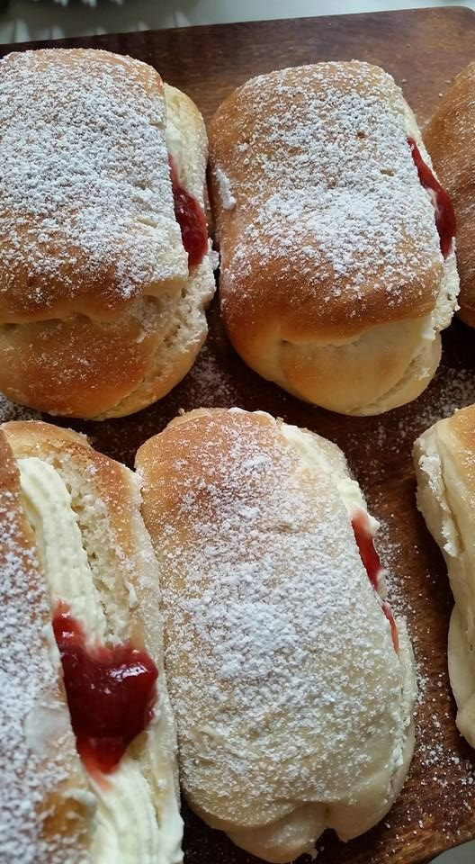 These are by Thermomumma and can be found on the recipe community (AUS) – SO delicious! Only thing I have done differently is omit the icing and fill them with cream, a dob of home made straw…