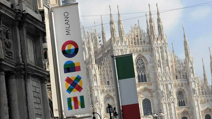 Piacemolto welcomes everyone to #expo2015.#Milan and #Italy at the center of the #world for six months.  #expo #milano #2015