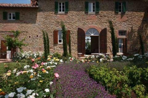 A propriedade que servia de cenário para o filme sobre a reforma de uma casa na Toscana está hoje a disposição para ser alugada por turistas