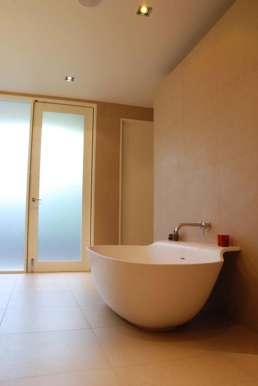 Freestanding Bathroom Design Ideas - Get Inspired by photos of Freestanding Bath Designs from AMG Architects - Australia | hipages.com.au