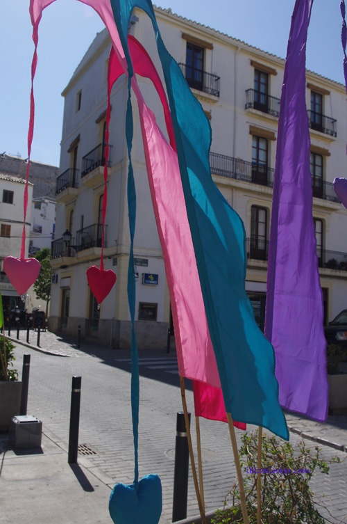#IbizaLinker gets around :) #Naturalismarket in #Ibiza #oldmarket. #HealingIbiza. Photos by Liisi Toom http://liisitoom.com