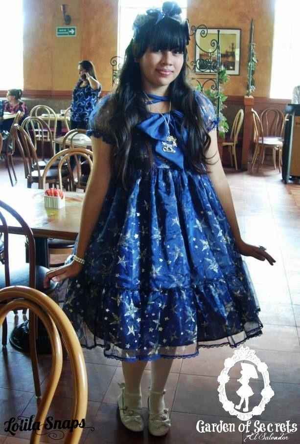 SNAP - EL SALVADOR  Kokoa Nucita Kyuketsuki  Accesorios: offbrand Op: Handmade tights: Forever21 Shoes: Offbrand