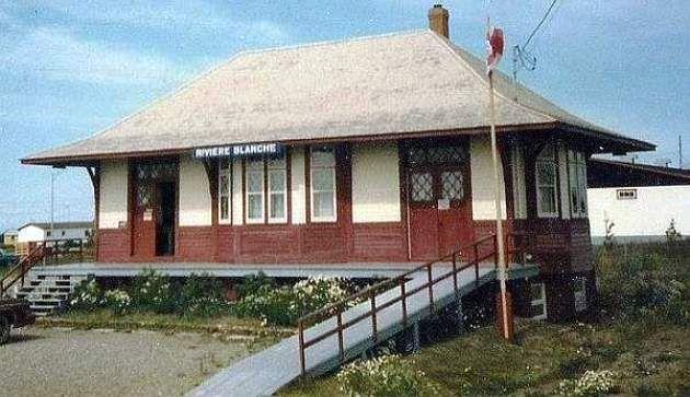 Rivière_Blanche, Québec - Canadian National Railways Station - p Ozorak