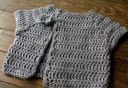 Crochet pattern for baby jacket: Baby Jackets, Bebe, Baby Projects, Crochet Baby, Baby Things, Crochet Patterns, Free Patterns, Patterns Info, Baby Stuff