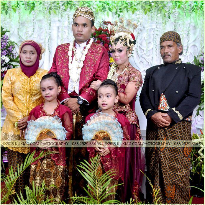 Sunggih Pinilih + Tanggap Wacono Pahargyan Palakraminipun DEWI & ADI - 4 Mei 2015 - Foto oleh : KLIKMG Foto & Video Shooting (Fotografer Banyumas, Fotografer Purwokerto, Fotografer Jakarta, Fotografer Surabaya) - Tata Rias & Busana oleh UTAMI DWI IRAWAN Rias Pengantin Purwokerto