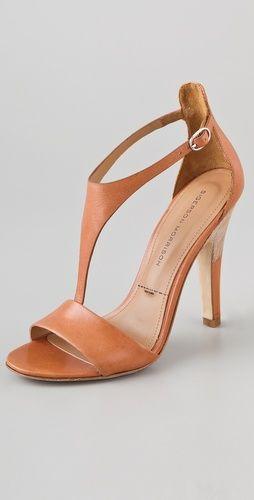 Sigerson Morrison                Phebe T Strap Sandals    Style #:SIGER40019