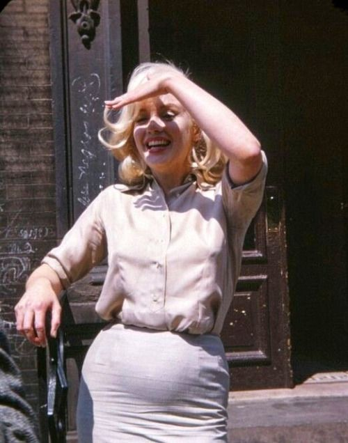 """Marilyn Monroe photographed by Frieda Hull, 1960. """