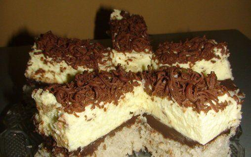 Retete Culinare - Prajitura cu nuca de cocos, ciocolata si crema