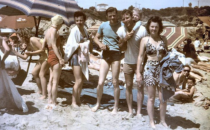 The 1940s | 28 Retro Beach Photos That'll Make You Want To TimeTravel