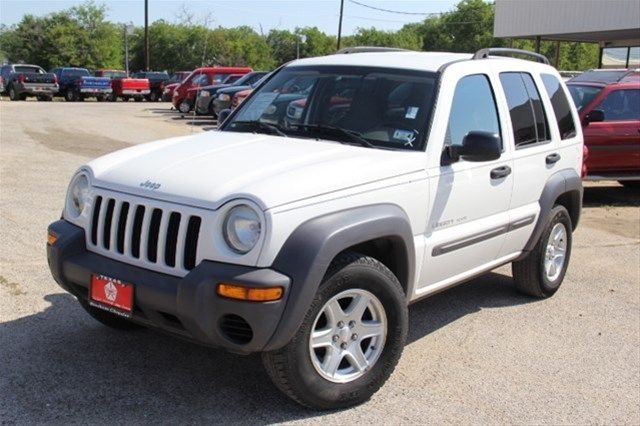 2003 Jeep Liberty, White, 16488074 $6,999 3.7L V6 24mpg $175 125,000 miles