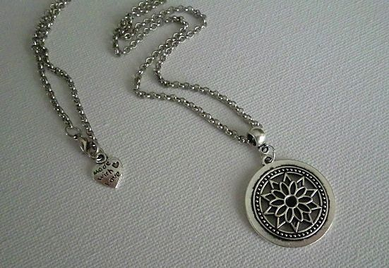 Dream - necklace handmade by Miss Daisy