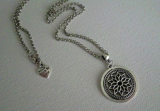 Dream - necklace handmade by Miss Daisy