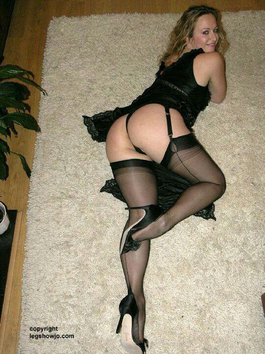 Mom Gets Horny in Nylon Pantyhose - YouPorncom