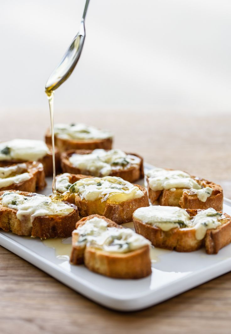 Bruschetta with Gorgonzola Cheese and Honey  Giada De Laurentiis