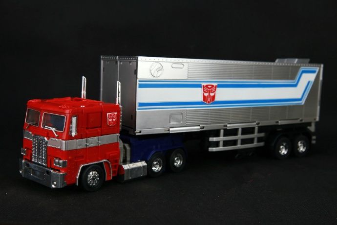 Transformers MP10 MP-10 optimus prime  with  trailer  new boxed toys in stock