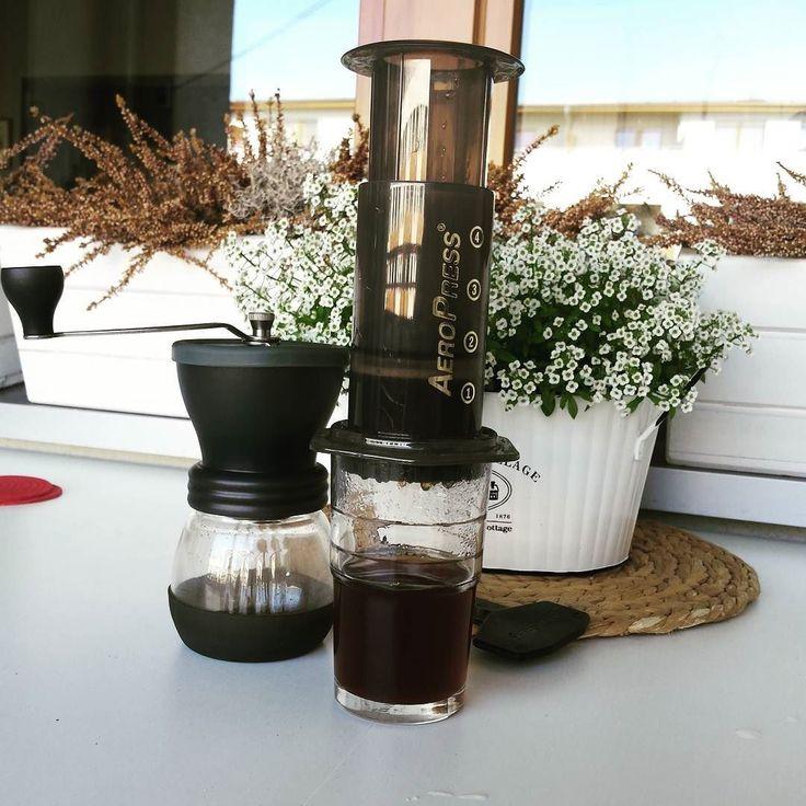 Dzień dobry! Czas na kawę :) #eintopf #szczecin #aeropress #kawa #coffee #niedziela #sundaymorning #coffeeroasterspoland #coffeeroaster http://ift.tt/1Vbg53z