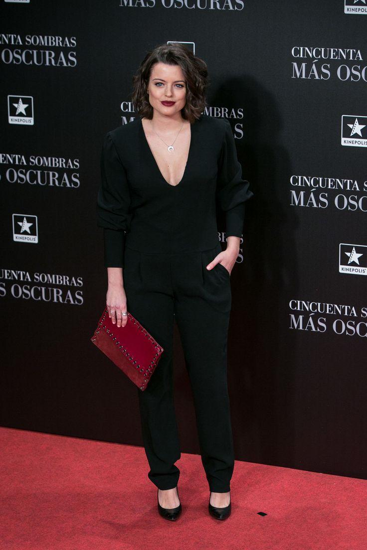 ADRIANA TORREBEJANO - CON CLUTCH DE MIREIQ - ESTRENO 50 SOMBRAS MÁS OSCURAS - MADRID