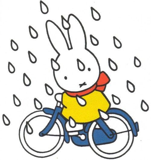Nijntje in de regen.