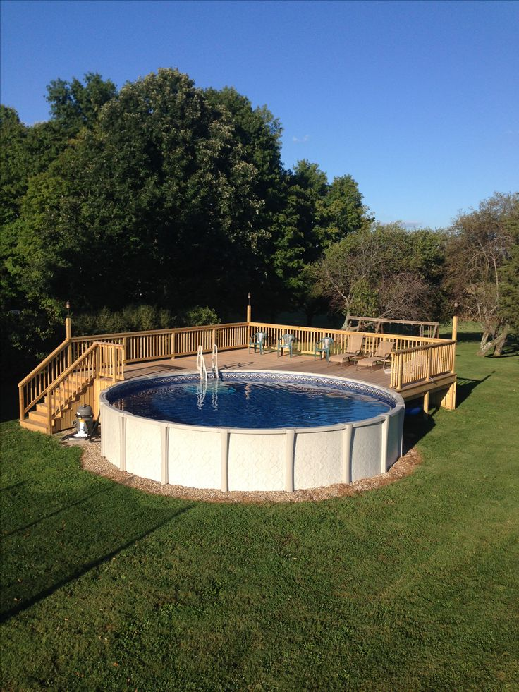 Above ground pool deck for 24 ft round pool. Deck is 28x28.