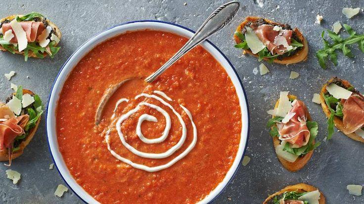 Studená zeleninová polievka s bruschettou