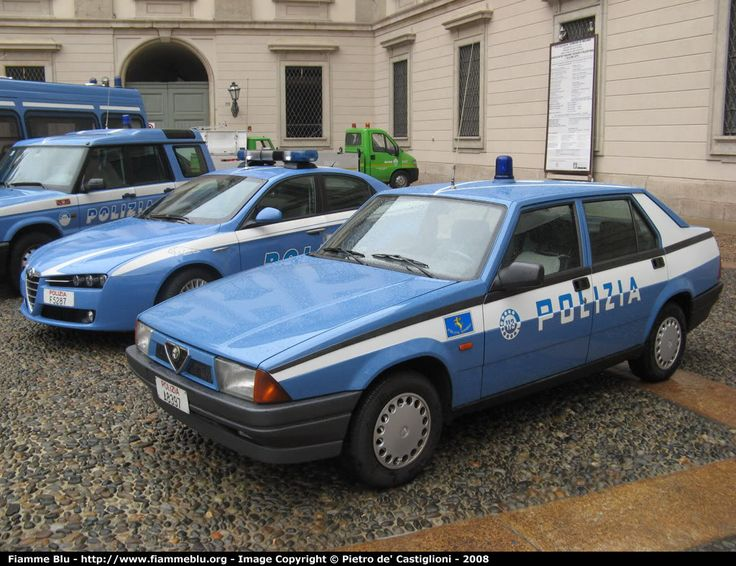 Old and new, Alfa 75 and 159 Polizia