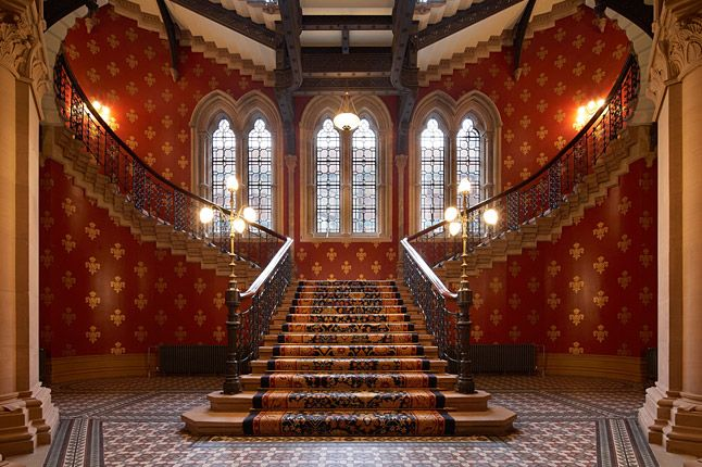 The St. Pancras Renaissance London Hotel is adjacent to St Pancras railway station. It opened in 2011, but occupies much of the former luxury Midland Grand Hotel which opened in 1873 and closed in 1935.