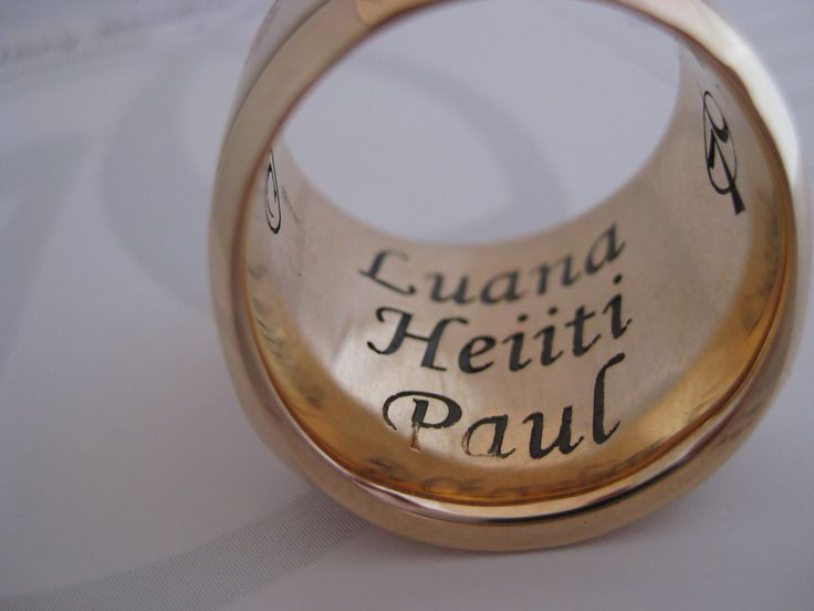 engraving inside a ring made by seventysixdesign . custom made Jewellery .