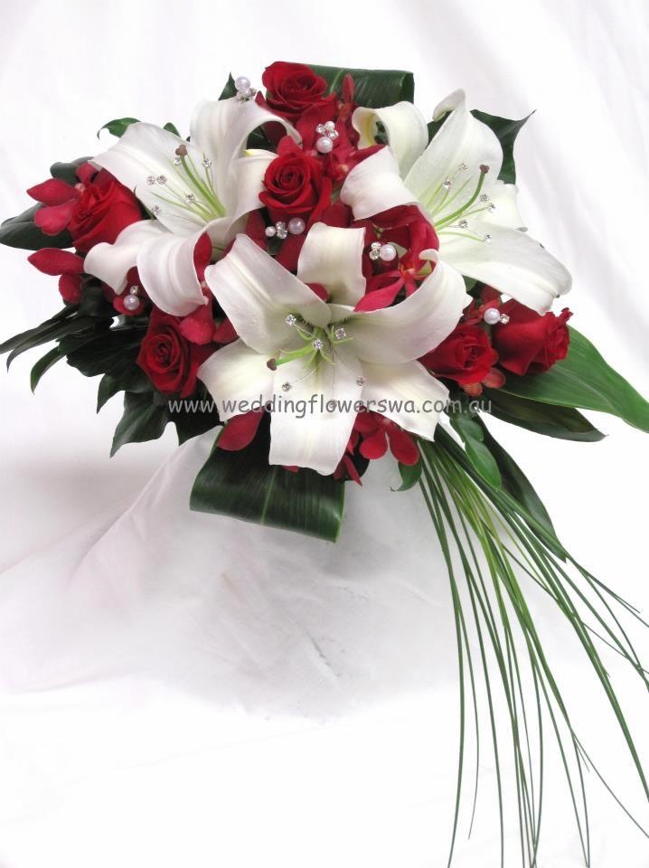 Gorgeous design by the Willetton Wedding Flowers girls!
