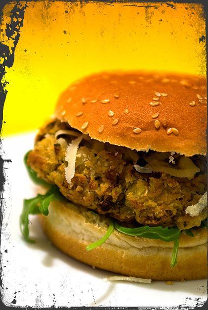 Hamburger Vegetariani con fagioli e funghi