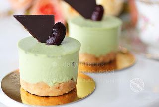 dailydelicious: Matcha Rare Cheesecake: A slice of Japanese taste from your kitchen!