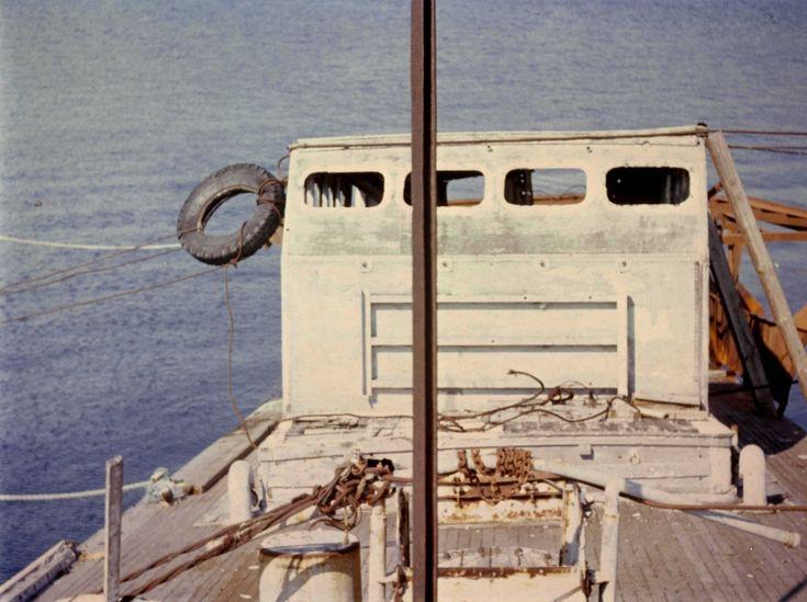 Motiv: Tidligere ubåtjager HITRA på Tjurkö, Karlskrona. Styrehuset rett forfra