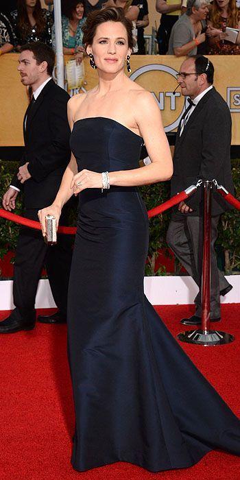 SAG Awards 2014: Jennifer Garner in Max Mara and David Webb jewelry.