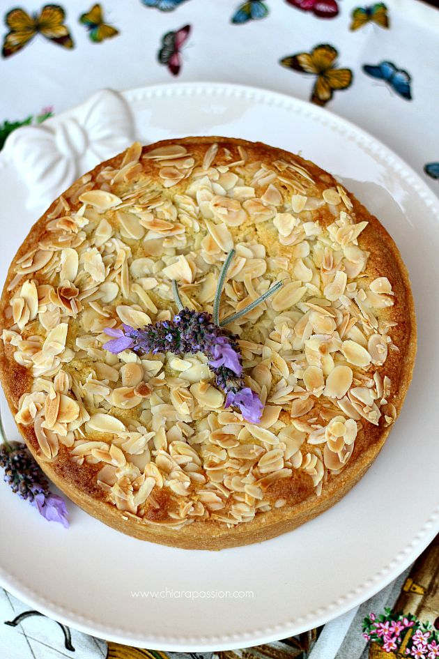 Chiarapassion: Crostata con crema frangipane