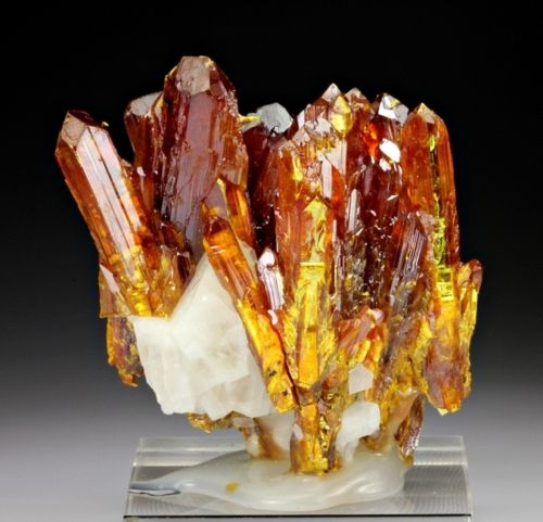 Orpiment with Calcite from China
