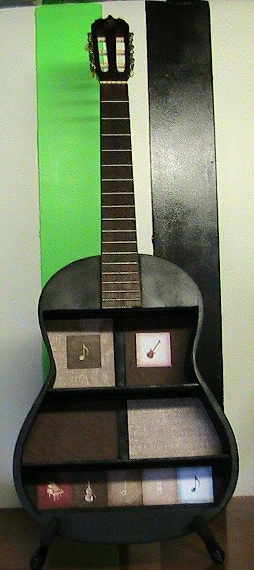 Plateau de guitare acoustique upcycled par ThisNThatHodgePodge