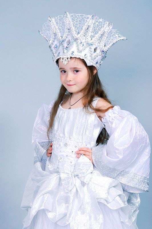 Прокат карнавальных костюмов - Пошиты новые костюмы Зимы, Снежной Королевы, Снегурочки и Ёлочки для девочек!!