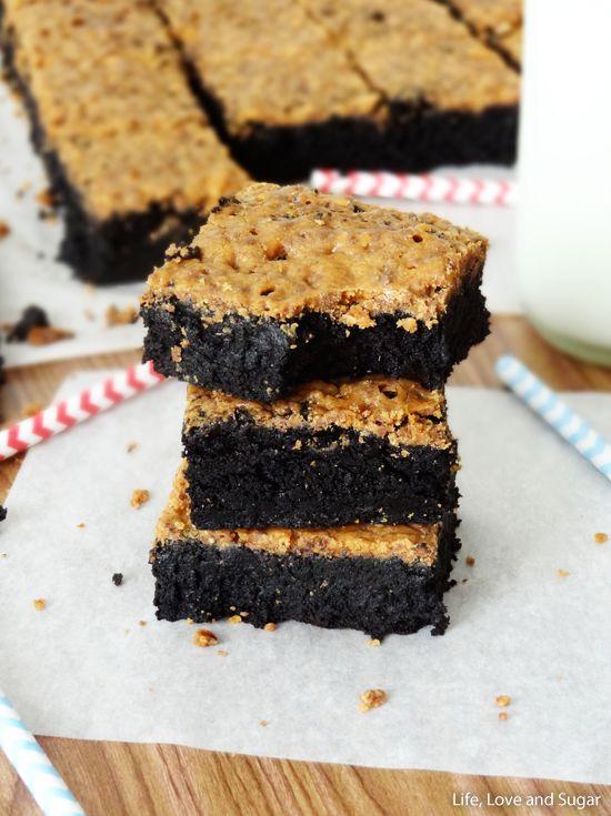 Fudgy Brownies con crujiente corteza Butterfinger