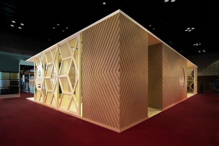 Royal Ceramica stand by Paolo Cesaretti, Dubai   UAE exhibit design