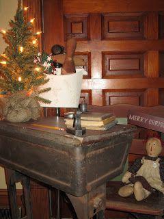 The Primitive Hutch: Antique Child's Desk