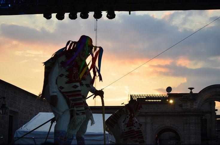 El Ayuntamiento de Morelia,a partir del viernes 12 y hasta el 14 febrero, tiene contemplado desarrollar eventos culturales en tres escenarios distintos: la Plaza de Armas, Plaza Jardín Morelos y ...
