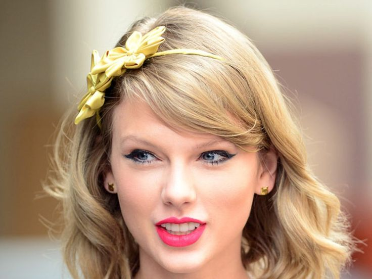 Why Pop Star Taylor Swift Buying .porn and .adult Domains