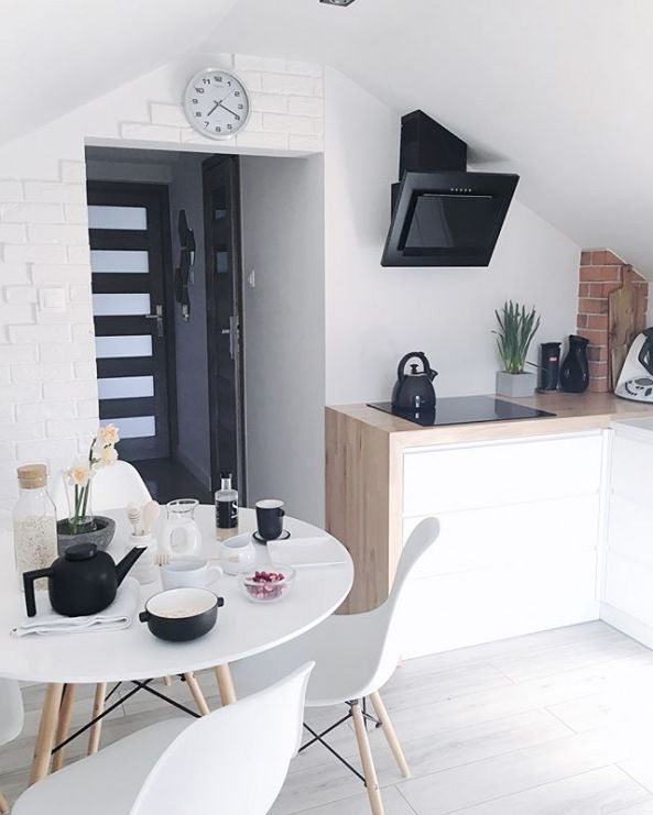 Mala Kuchnia Z Jadalnia Na Poddaszu Lovingit Pl Dining Room Decor Loft Kitchen White Decor