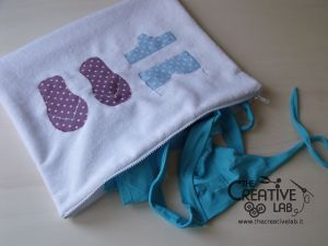 Come cucire una bustina impermeabile per riporre i costumi bagnati. Tutorial e modelli da stampare.