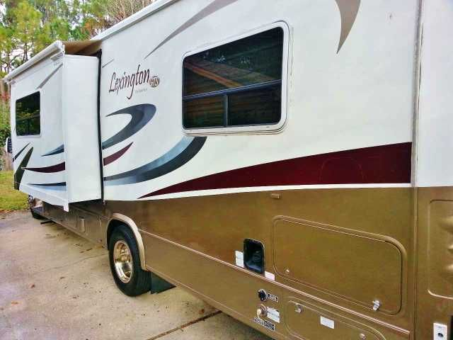 """2006 Used Forest River Lexington 270 Class B in Florida FL.Recreational Vehicle, rv, VIN OPTS for Grand Touring Unit: 4X4MLGC226F002735; 2006 Forest River Lexington GTS 255DS, RV, 28,440 miles, class C, all super comfortable leather seats, full-sized bed in private area w/ plenty of storage, bathroom w/shower, sink and vanity mirror. Microwave and stove w/hood. Dining couch folds into a second bed. New 19"""" flat screen TV. New microwave. New A/C and generator overhaul. New shelving to improve…"""