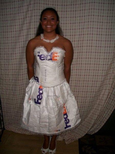 DIY Mail Order Bride Costume #MailOrderBrides #Brides #DIY #Halloween #HalloweenCostumes #Costumes