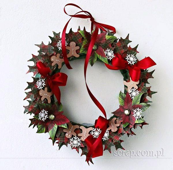 Wianek Bożonarodzeniowy ozdobiony papierami