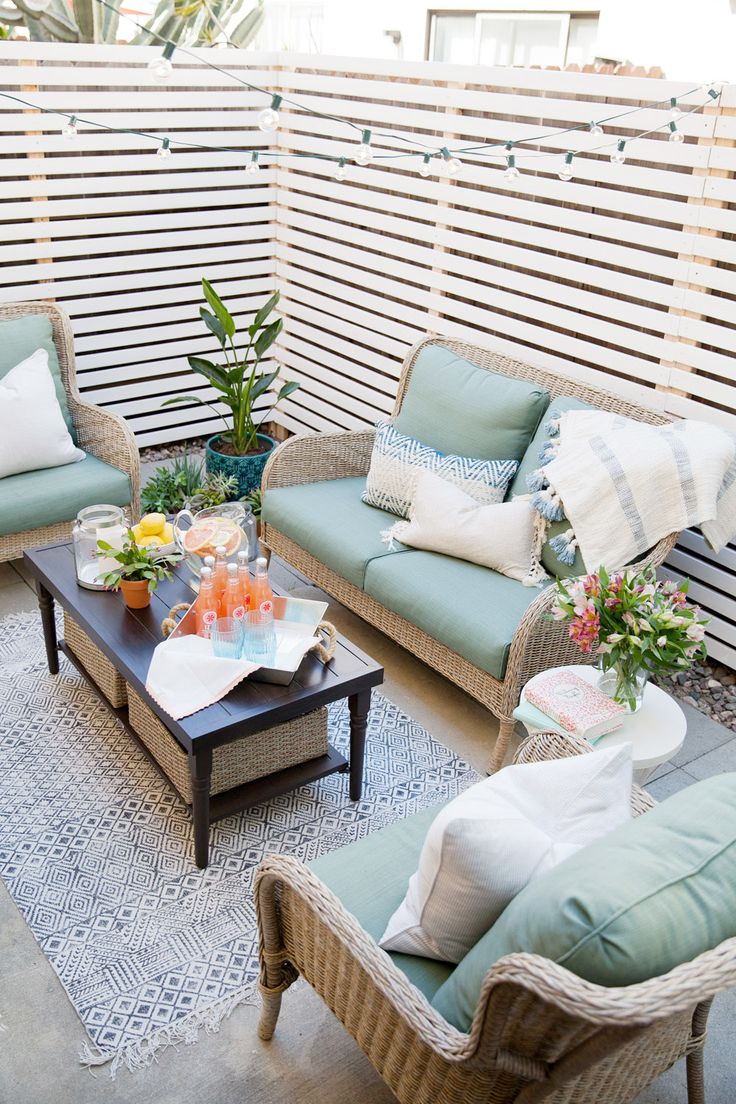 BUDGET PATIO MAKEOVER - Tell Love and PartyTell Love and Party