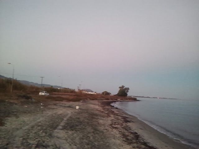 Het  strand vlak voor zonsopkomst 700 meter voor het appartement