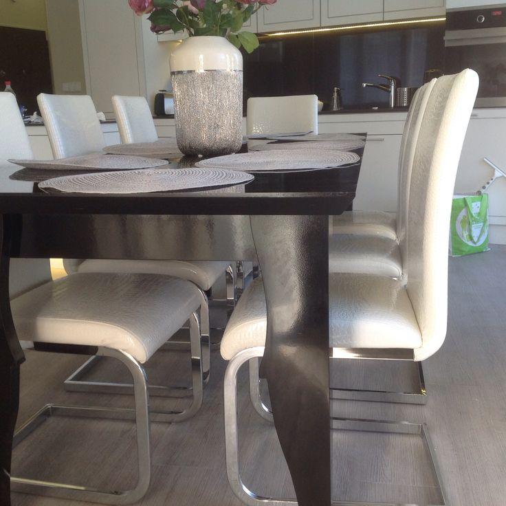 Stół czarny połysk ,materiał sklejka