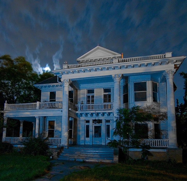 Abandoned Places Of Texas: Beautiful Abandoned Manor In TX